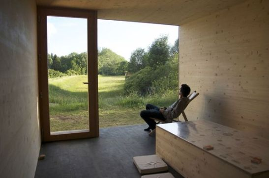 photo source: http://www.homedit.com/20-smart-micro-house-design-ideas-that-maximize-space/