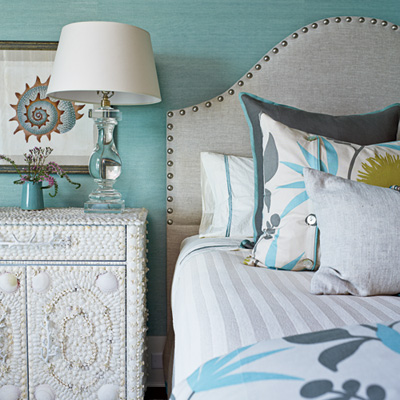 sea-colored-bedroom-m