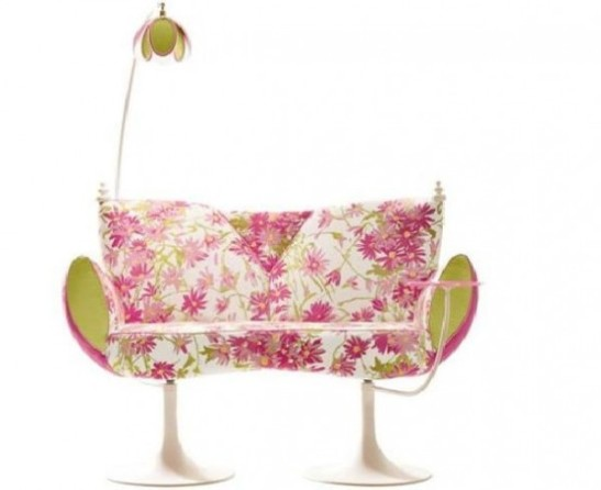 loveseat-flower-sofa-600x490